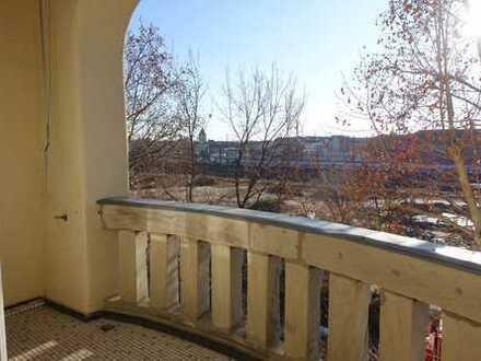 Erstbezug nach Renovierung 3 Zimmer Wohnung in der Hornschuchpromenade