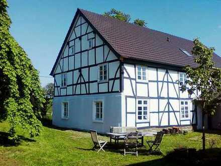Traumhaft schöne Landhaus-Hälfte im Bergischen Land! Nur 40 Min.von Köln.