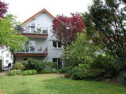 Refrath!!! Großzügige Einheit über 3 Etagen mit über 200 m² Gartenfläche in bevorzugter Wohnlage