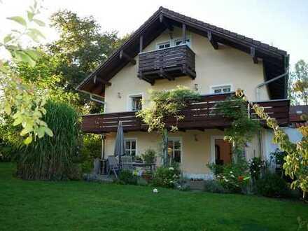 Individuelles, großzügiges 6-Zimmer-Haus in ländlicher Umgebung, sechs Zimmern u. gr. Garten
