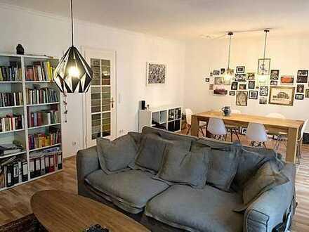 Stylische 2-Zimmer Altbau-Wohnung auf der Schweizer Straße