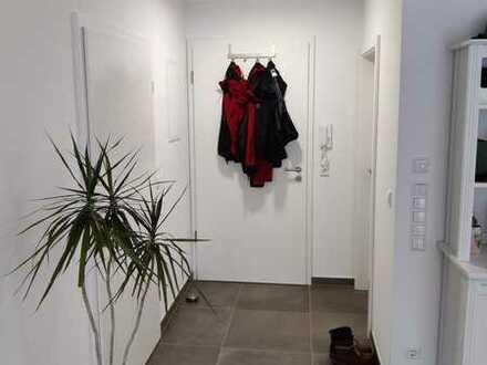 Neuwertige 2-Zimmer-Wohnung mit Terrasse und Einbauküche in Karlsruhe