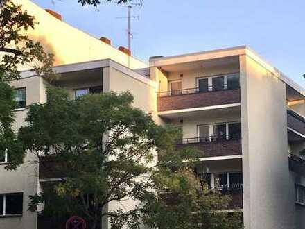 Schöne Wohnung mit Balkon !