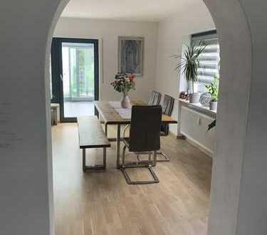 Schöne 4-Zimmer-Erdgeschosswohnung mit Balkon und EBK in Rückersdorf