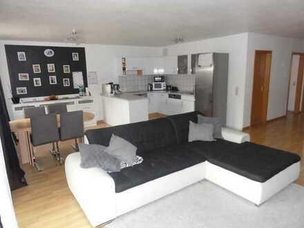 Exklusive, gepflegte 3-Zimmer-Wohnung mit Balkon und Einbauküche in Bad Urach