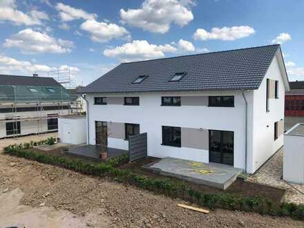 Doppelhaushälfte mit gehobener Ausstattung in Rheinmünster zu vermieten, Erstbezug, je 140 qm