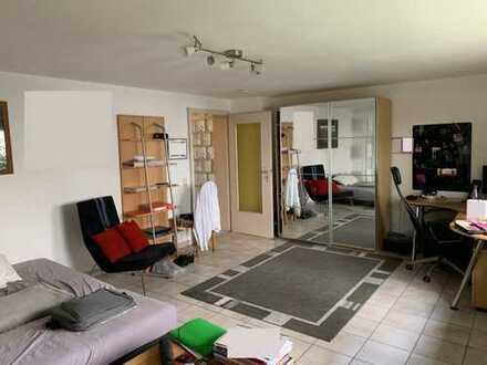 1,5-Zimmer-Wohnung mit Küche und separatem Raum für Waschmaschine in Dossenheim