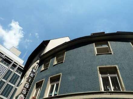 Wohnung im Trubel sucht junge Partyläufer, gerne Wohngemeinschaften