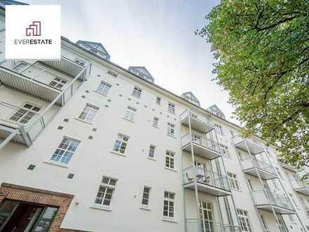 Provisionsfrei: Dachgeschoss-Wohnung mit charmantem Wintergarten