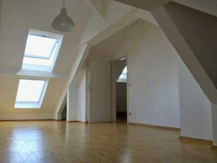 Ansprechende 3-Zimmer-Dachgeschoss-Maisonette-Wohnung zum Kauf in Stuttgart - West