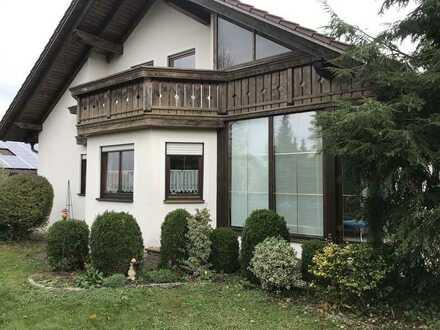 Gepflegte Erdgeschosswohnung mit Terrasse und Garten in Mindelstetten