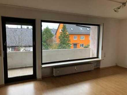 Exklusive, gepflegte 3-Zimmer-Wohnung mit Balkon und Einbauküche in Erlangen/Eltersdorf