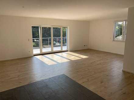 Vollständig renovierte 4,5-Zimmer-Wohnung mit Balkon in Ladenburg