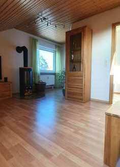 Sehr gepflegte 3-Zimmer-Dachgeschosswohnung mit EBK in Rothenburg/Tbr. für ruhige(n) Mieter(in)