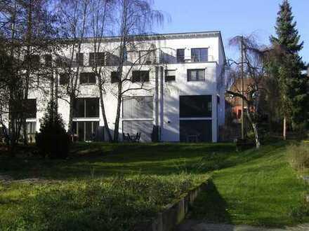 Exclusives Reihenhaus mit großzügigen Grundrissen und großem Garten