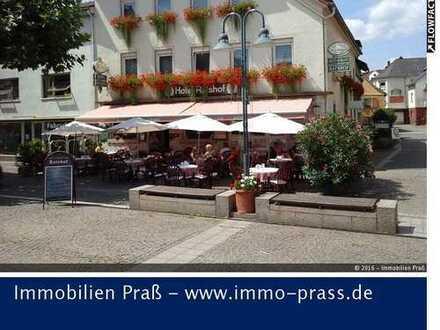TOP-Gelegenheit! Familiengeführte Pension/Hotel in Bestlage (Marktplatz)