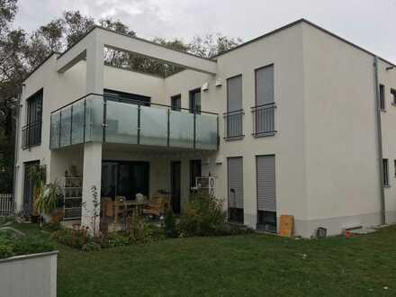 OG-Wohnung - 4 Zimmer - 132 m² - 1.495 €