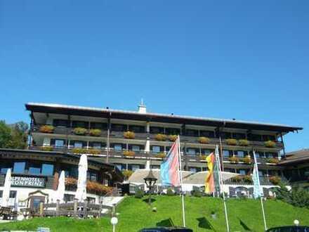 Berchtesgaden: Freude an Rendite mit eigenem Hotel-Apartment + Garagenstellplatz in bester Lage
