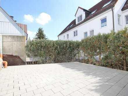 Erstbezug nach Renovierung ! 3 Zimmer Erdgeschosswohnung mit kleiner Terrasse.