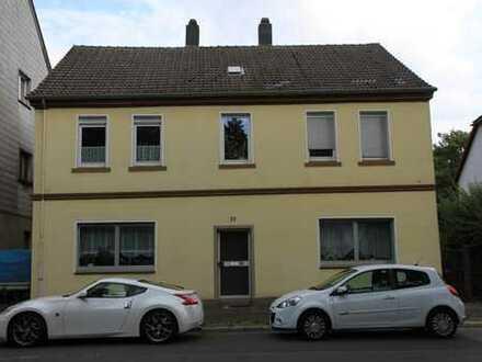 Schöne, 2008 vollständig renovierte2,5 Zimmerwohnung im gepflegten und ruhigem 4 Parteienhaus