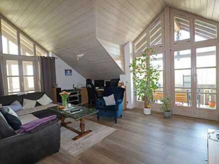 Gemütliche 4,5 Zimmer-Dachgeschosswohnung in schöner Lage von Peiting