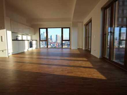 Hier ist Platz für alle(s)! Repräsentative 4-Zimmer-Wohnung mit Skylineblick in Frankfurt