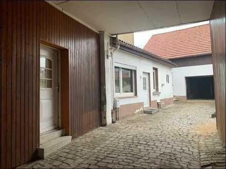 Hier hat die ganze Familie Platz! EFH mit Nebengebäude mit viel Potential im hübschen Flonheim!