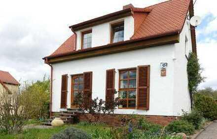 Kleines Haus & mit Bauland