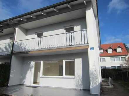 Traumhafte Doppelhaushälfte grundsaniert mit großem Garten, Süd-West Seite in Eching (S1)