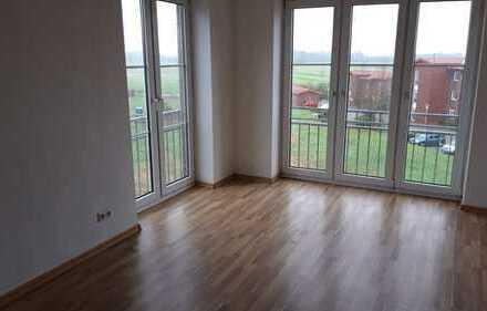 sehr schöne 3-Zimmer-Wohnung mit Balkon und Pkw-Stellplatz