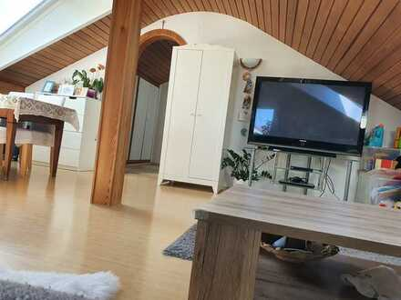 Gepflegtes 1-Zimmer-DG-Appartement in Gerlingen
