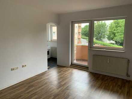 Renovierte 1 ZKB mit Balkon und EBK in Bad Kreuznach ab sofort frei!