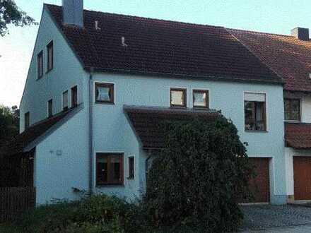 Haus mit fünf Zimmern in Regensburg für 15 Monate zu vermieten; für 4-WG geeignet