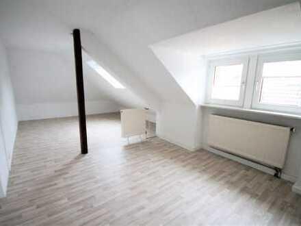 Frisch renovierte 2- Zimmer Wohnung zum Einzug bereit