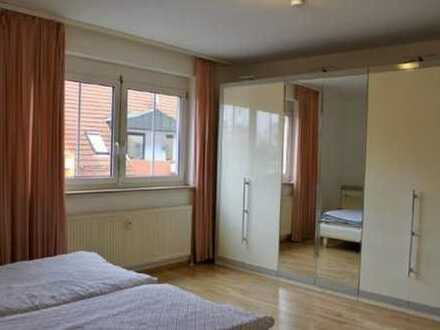 Renovierte Wohnung mit Balkon und hervorragender Anbindung!