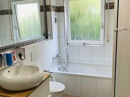 * Klimatisierte* Exklusive, gepflegte 3-Zimmer-EG-Wohnung mit Balkon und EBK in Mosbach