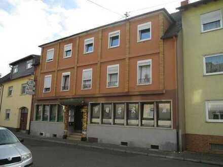 Ehemaliges Hotel mit Gaststätte im Zentrum von Oppau!