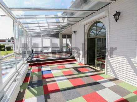 Wohnen mit Refinanzierung: Modernisierungsbedürftige Villa + neues EFH + Bauland an der Müggelspree