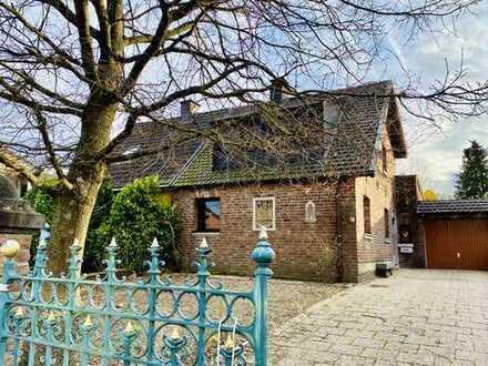 FRIEDERICH: Aachen - Hörn DHH auf großem Grundstück mit zusätzlicher Bebauungsmöglichkeit