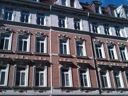 Großes Zimmer in 2-er WG, direkt an der Karl-Heine Straße