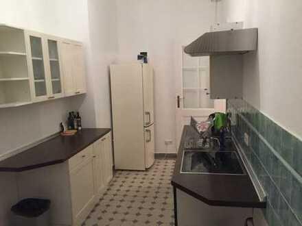 Bild_MÖBLIERTE 2,5-Zimmer-Wohnung mit Balkon & Einbauküche in Charlottenburg, Berlin