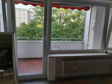 (Sublease from Sep12 or Sep15th until Nov15th) - Spacious1 bed w/ balcony in WG near Garching/BMW/MS