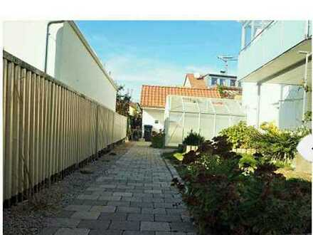 Zimmer Hochpatarre Wohnung Klima, Lüftung Rundum geschlosser Garten 3 Minuten S-BAHN TOP RENOVIERT