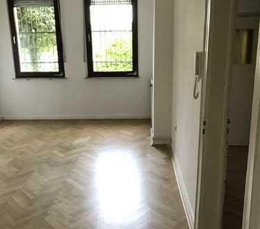 Günstige, vollständig renovierte 3-Zimmer-Altbauwohnung zur Miete in Bochum
