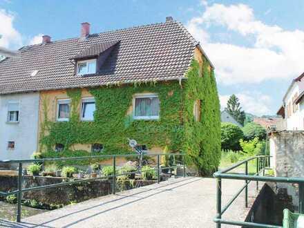 Gemütliche Doppelhaushälfte am Bach in ruhiger Idylle von Albersweiler