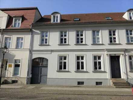 Zentral gelegene 2-Zimmer-Wohnung in TOPLAGE (Altstadt/Seenähe)