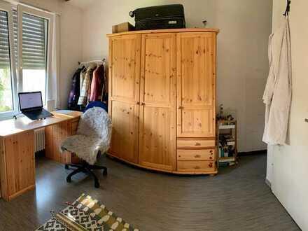 Helles, gemütliches Zimmer für wenig Geld