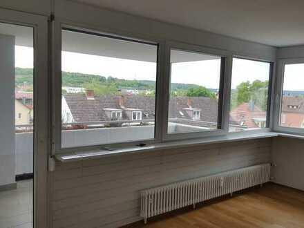 Sehr schöne und helle 4 Zimmerwohnung in Tübingen