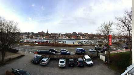 Exklusiver Arbeitsplatz mit Blick auf den Flensburger Hafen!