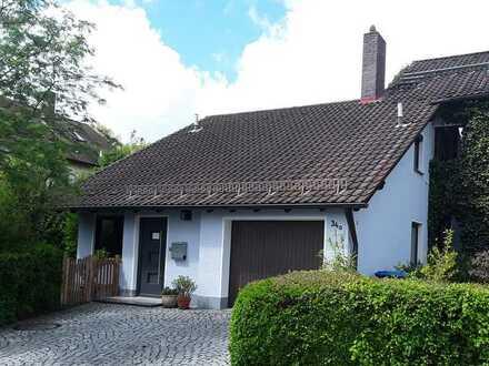 Attraktive, großräumige 2-Zimmer-Wohnung/Kleines Haus in Bayreuth Altstadt